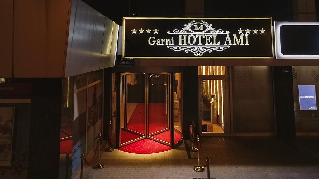 2 Hotel Ami