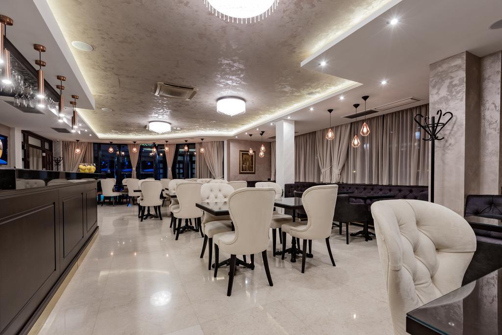 6 Hotel Ami